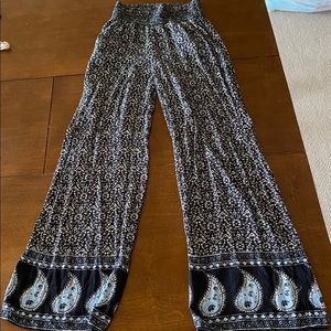 American eagle flowy, stretchy, pants, size small
